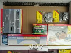 Model Railway. OO Gauge. Hornby & Noch items (32 items in one lot)