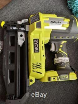 RYOBI P325 16-Gauge Cordless Brad Nailer (Tool-Only) 18-Volt ONE+ AirStrike